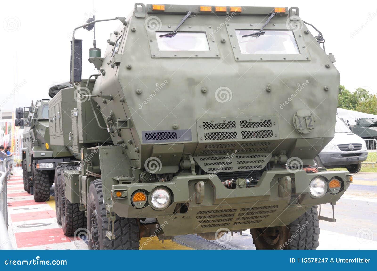 Mobilnej artylerii rakiety systemu pojazd