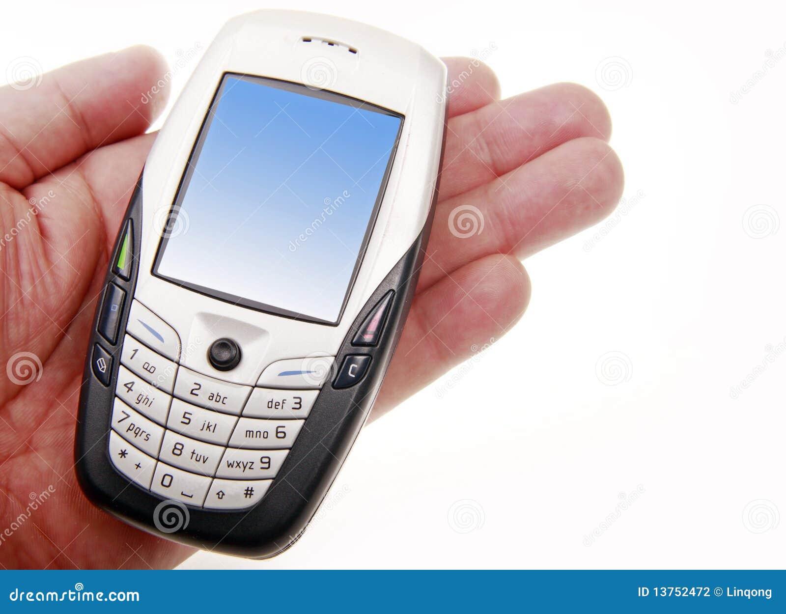 Mobiltelefon an Hand