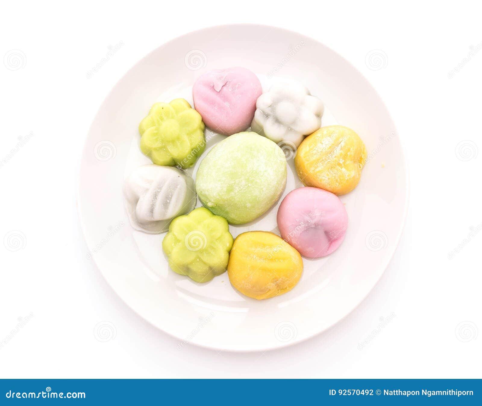Mochi del dessert su bianco