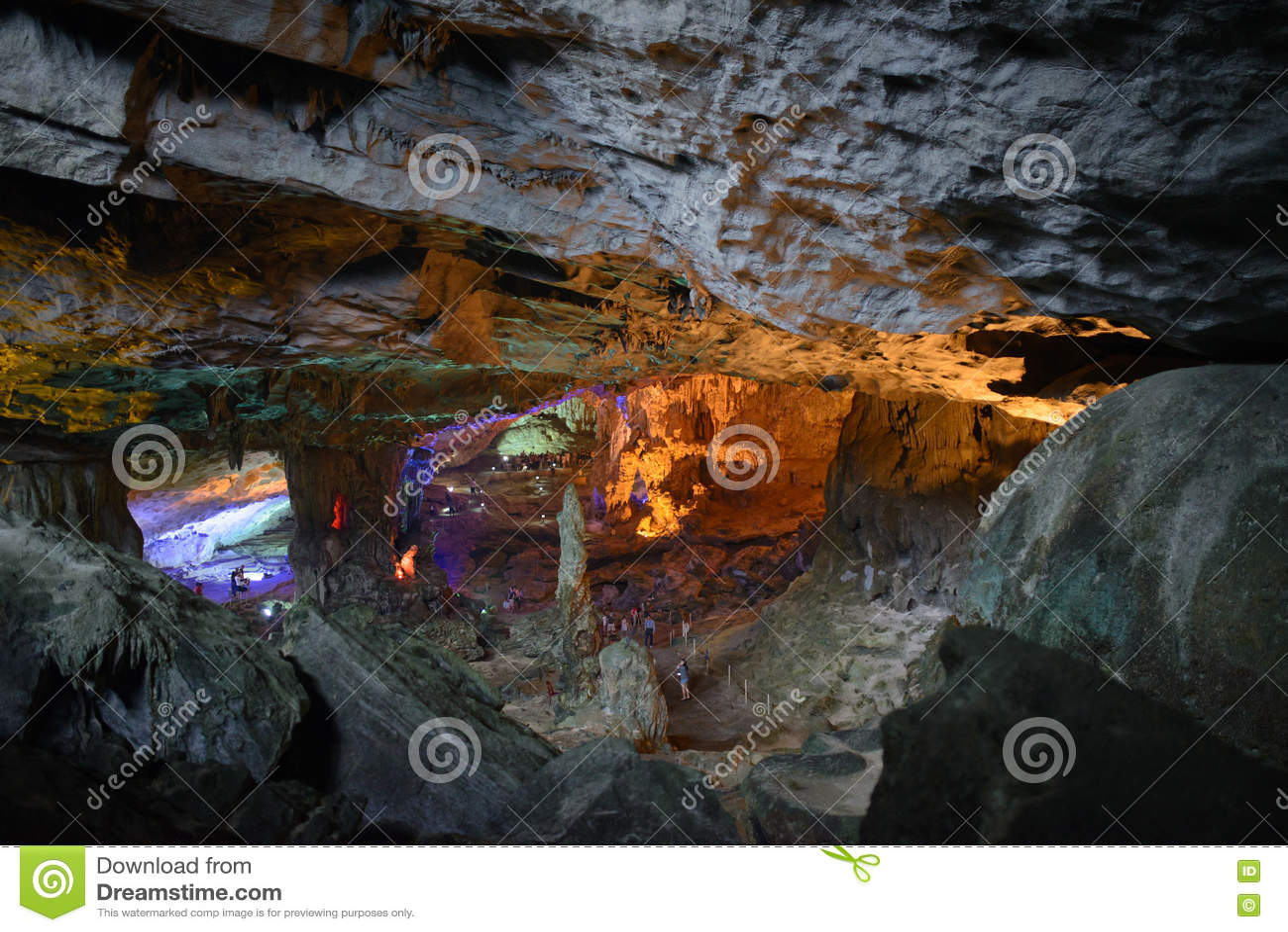 Modèle de jaune de Thien Cung Cave Heavenly Palace Cave