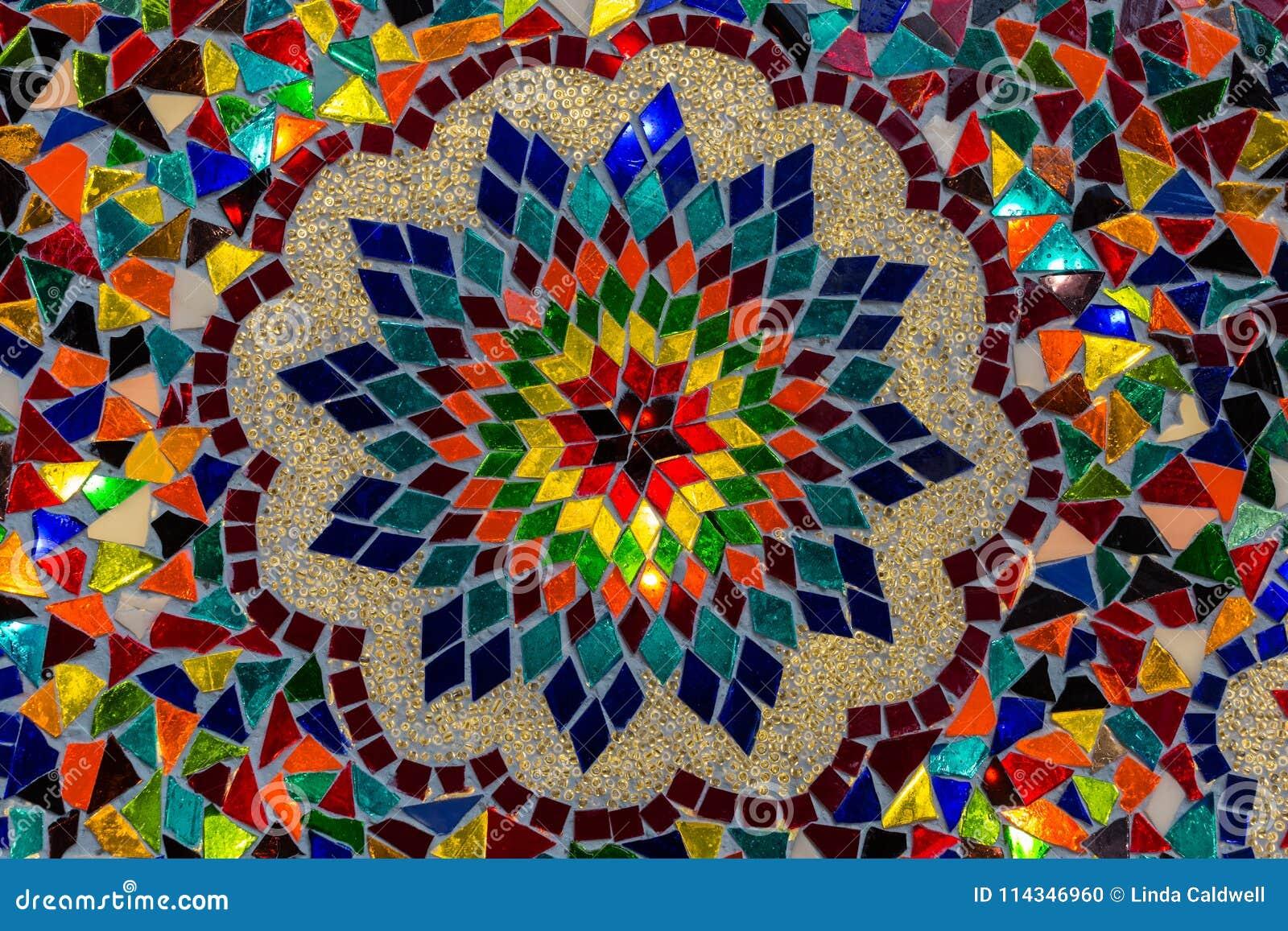 Modele De Mosaique Detaille Sur Une Lampe Photo Stock Image Du Detaille Mosaique 114346960