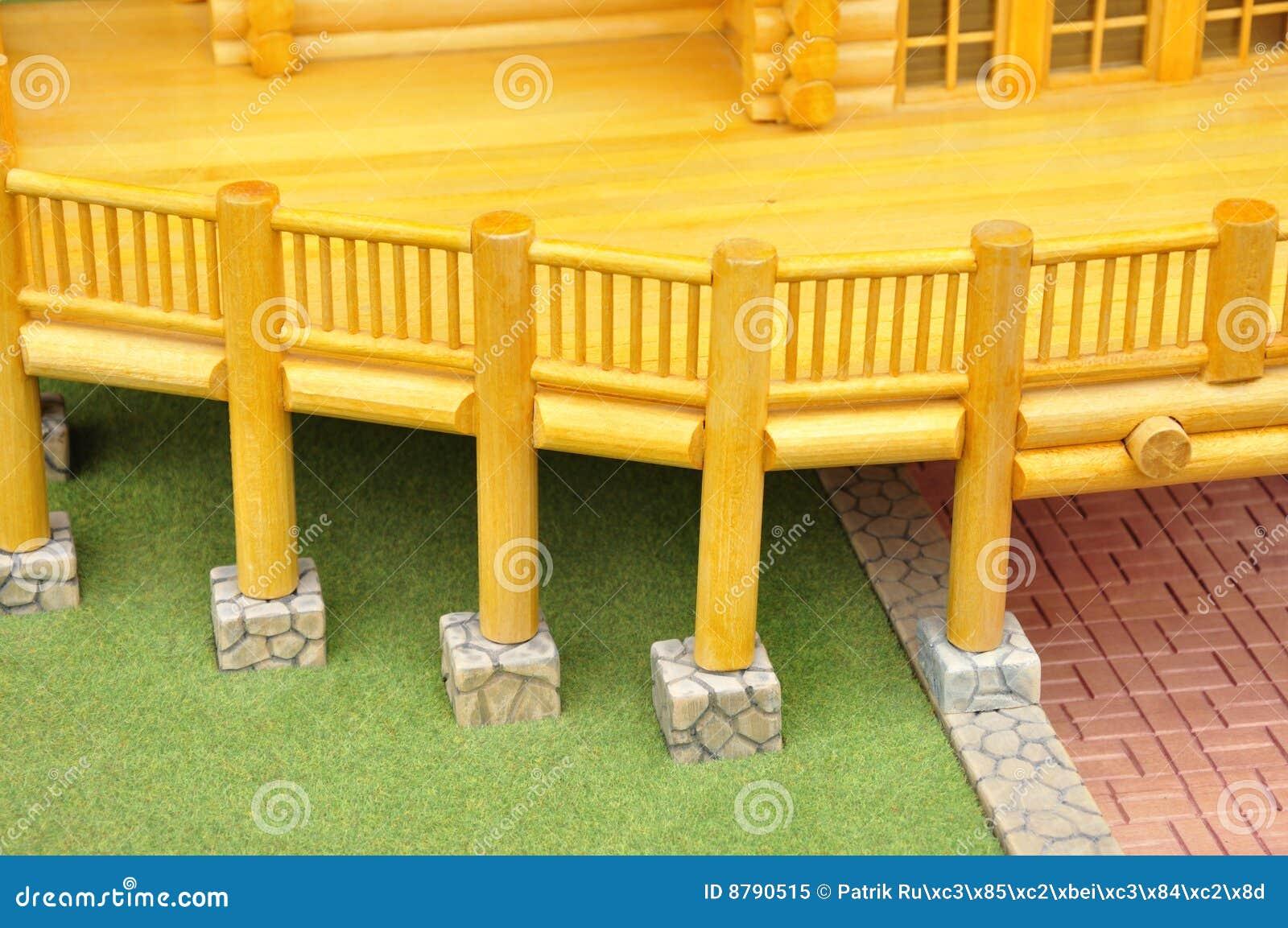 Mod le en bois de balcon photo libre de droits image 8790515 - Modele de balcon en bois ...