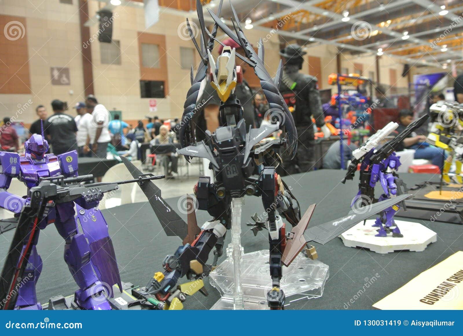 Modèle et jouets mobiles de nombre d actions de Gundam de costume