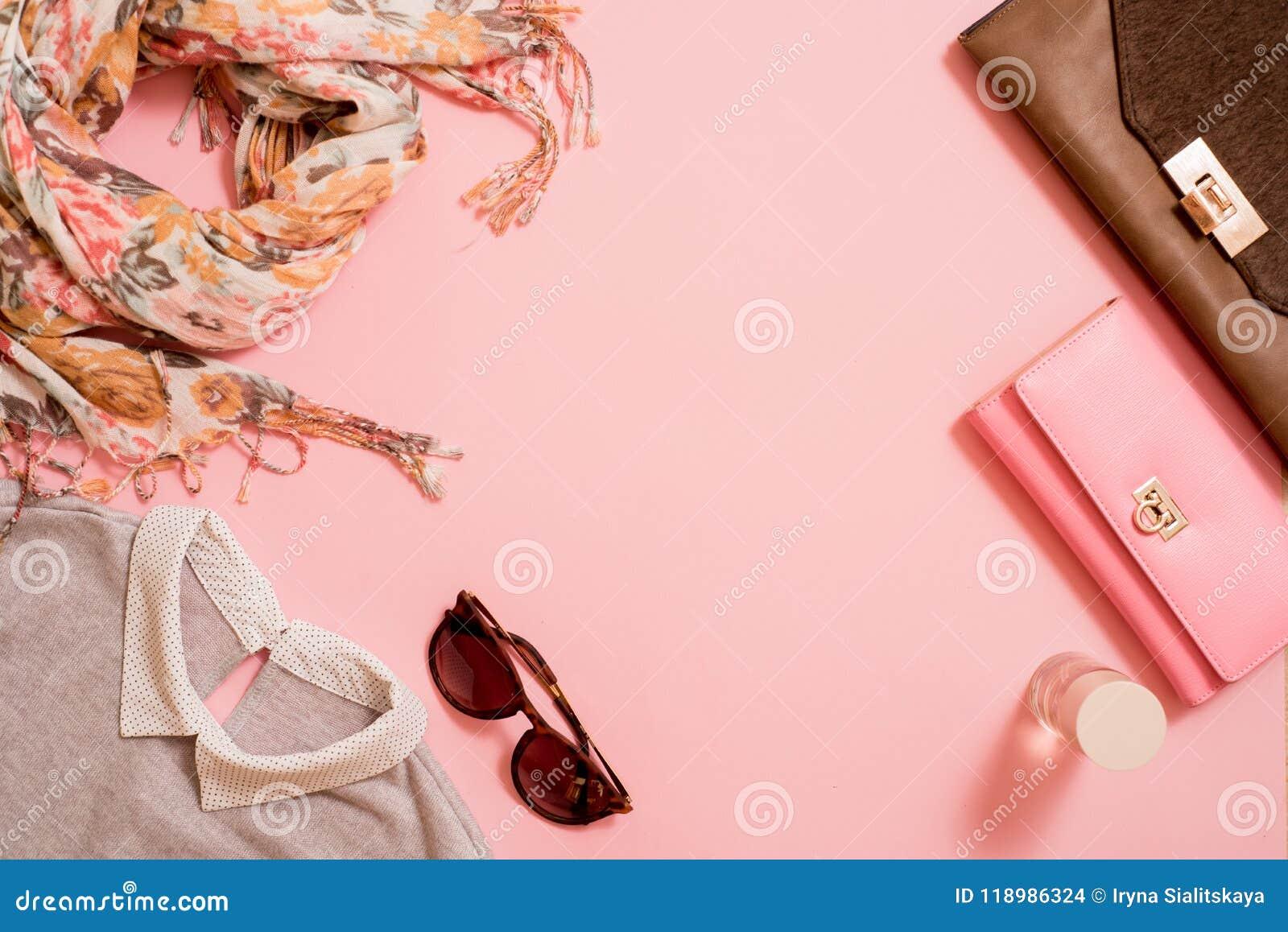 Modedam Accessories Set Falt lägger stilfull handväska brushes smink reflekterande solrossolglasögon Smycken och spikar polermede