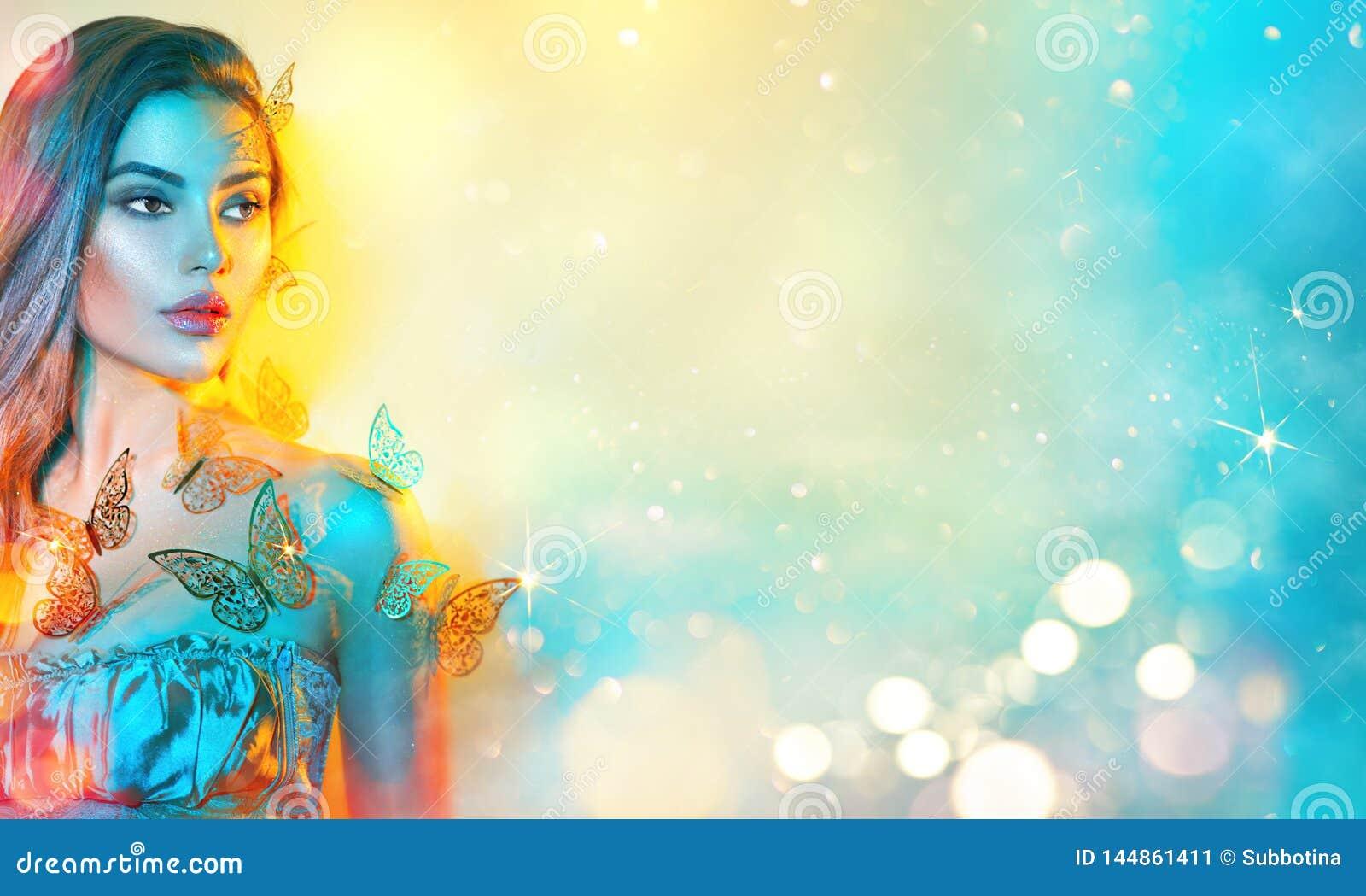 Model de lentemeisje van de schoonheidsfantasie in kleurrijke heldere neonlichten Portret van mooie de zomer jonge vrouw in UV He