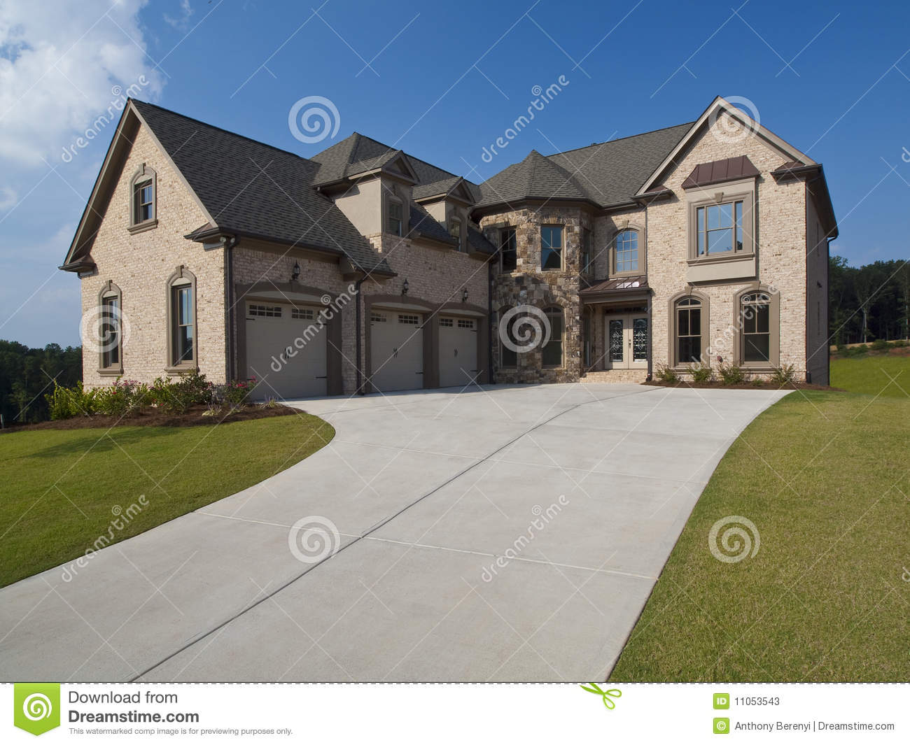 Model home luxury house with driveway stock image image for Luxury home models