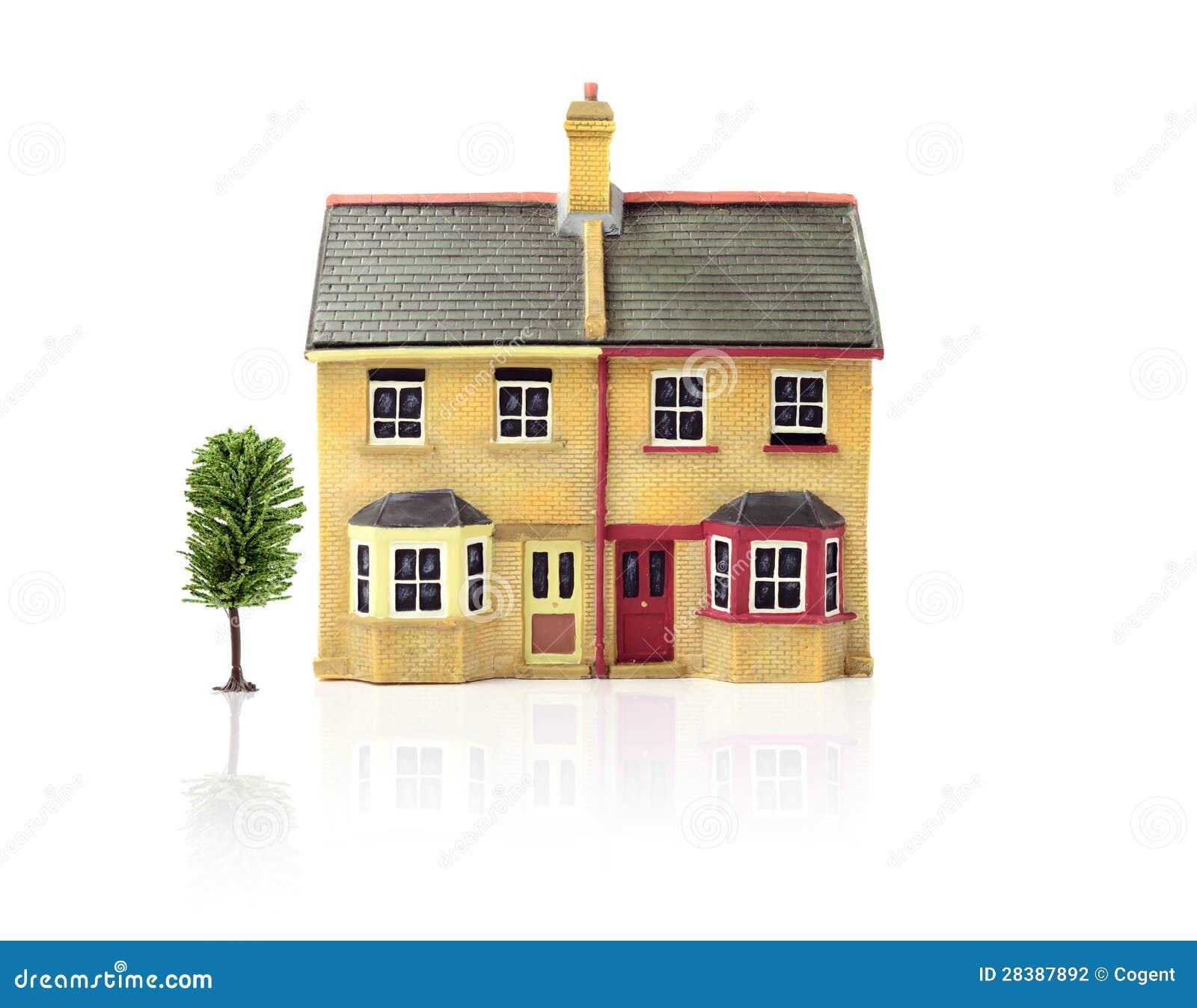 Model huis stock foto afbeelding bestaande uit bezinning 28387892 - Groen huis model ...