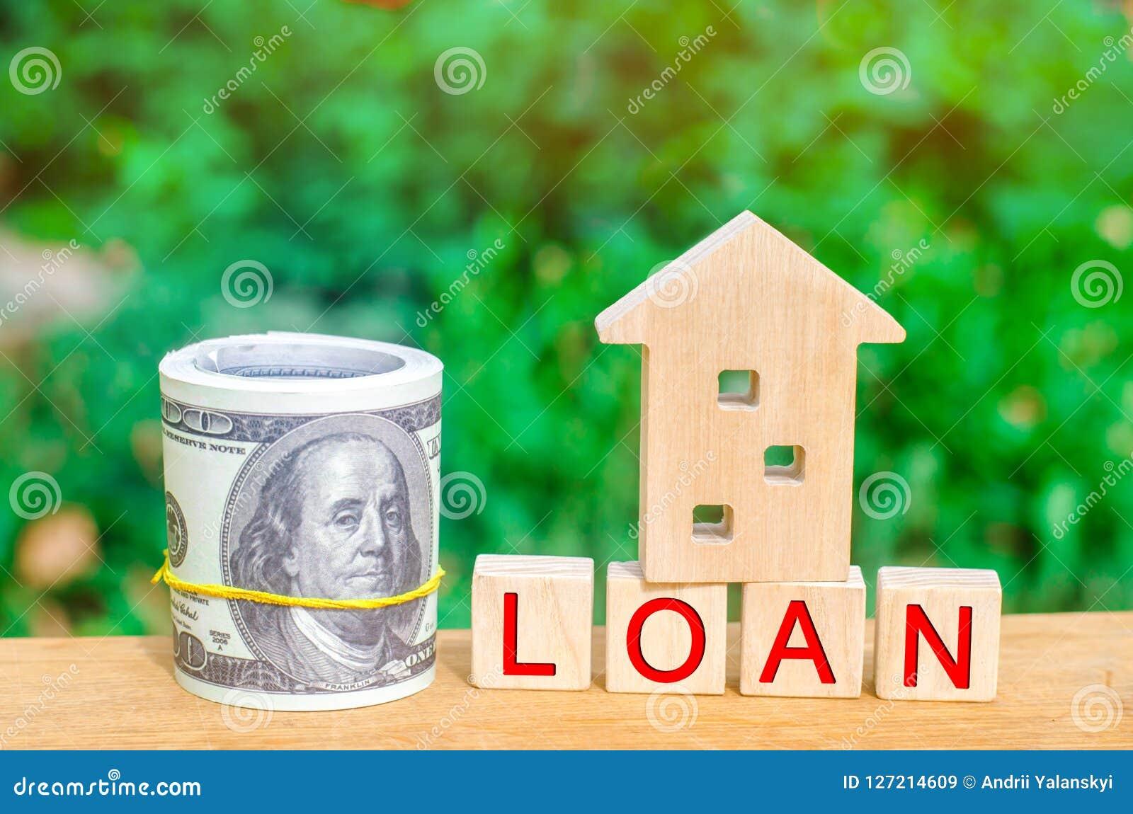 Model van het huis, geld en de inschrijvings` Lening ` Het kopen van een huis in schuld Familieinvestering in onroerende goederen