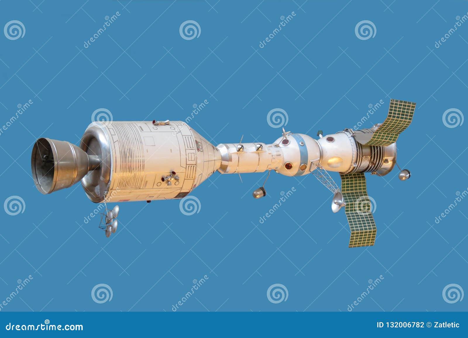 Model verbonden spaceships Apollo en Soyuz