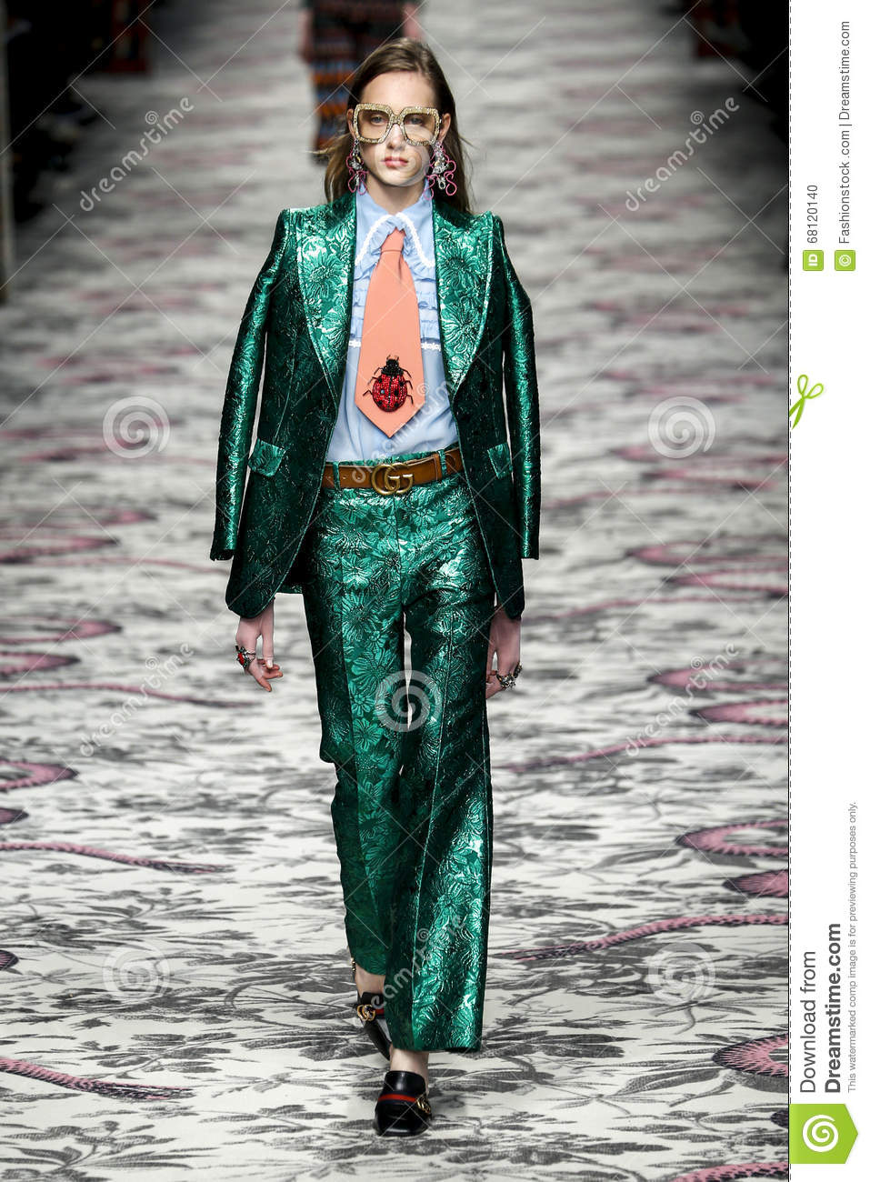 606963134f5225 MILAN, ITALY - SEPTEMBER 23: A model walks the runway during the Gucci show  as a part of Milan Fashion Week Spring/Summer 2016 on September 23, ...