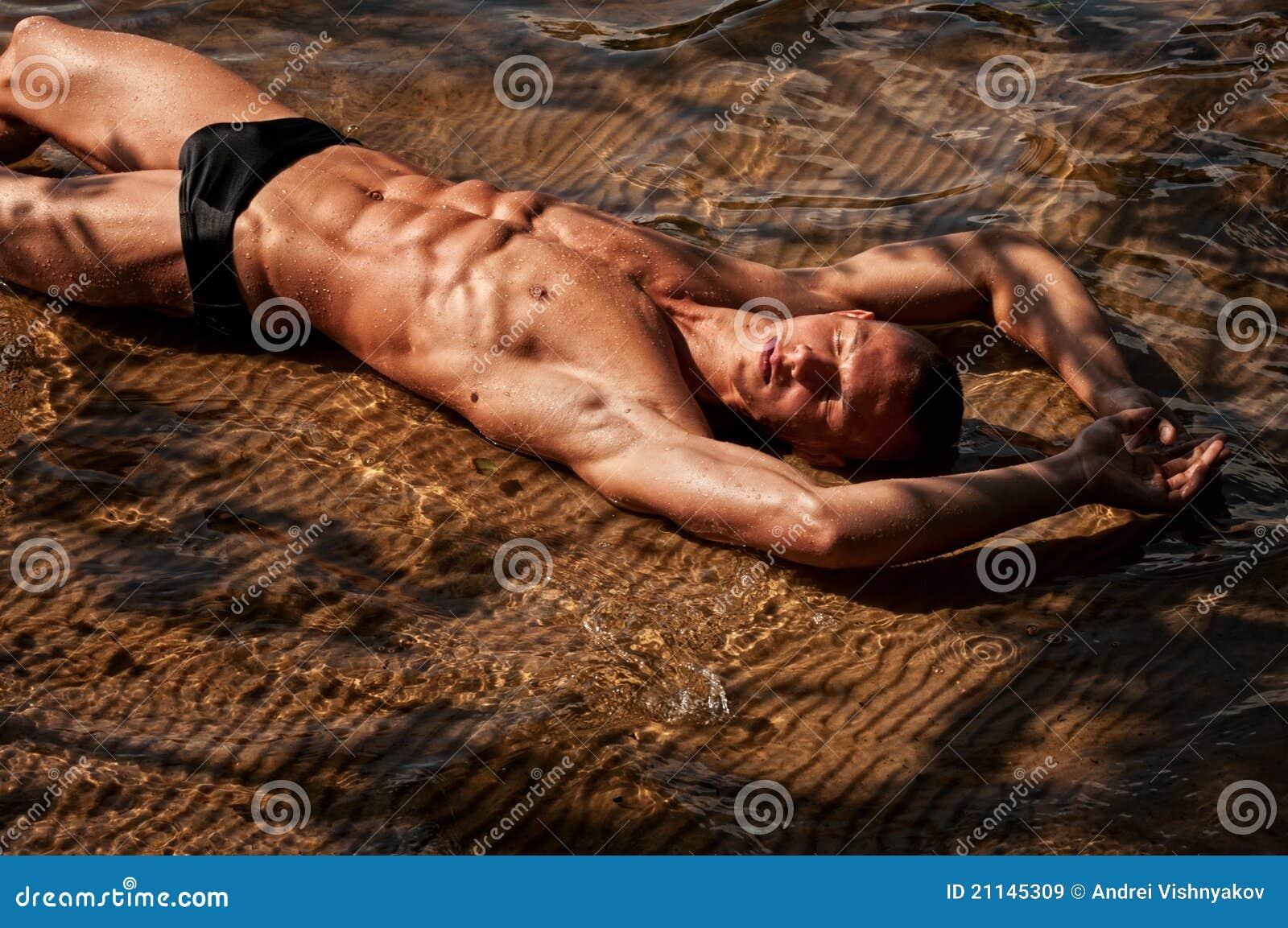Секс с мускулистым парнем фото, Чешские бисексуалки наслаждаются сексом втроем на 27 фотография