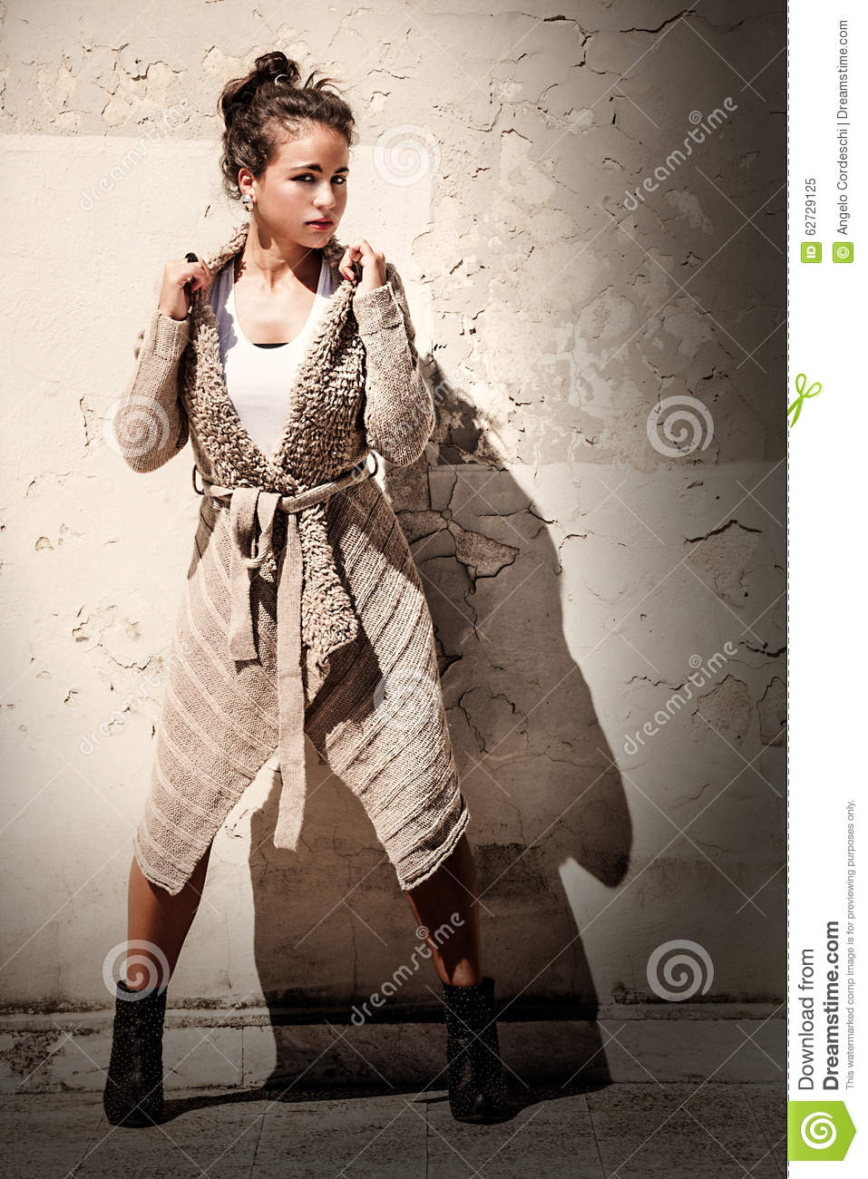 Model Woman Grunge Background Leg Outstretched Wool Sweater Stock