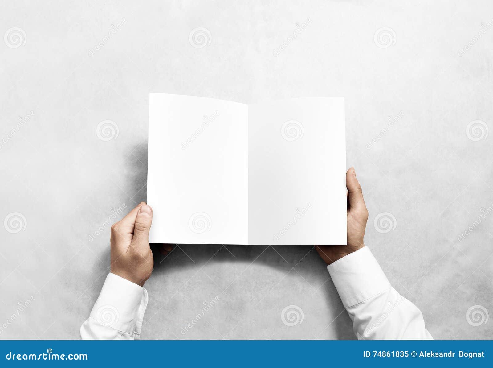 Modell för häfte för broschyr för handöppningsmellanrum vit
