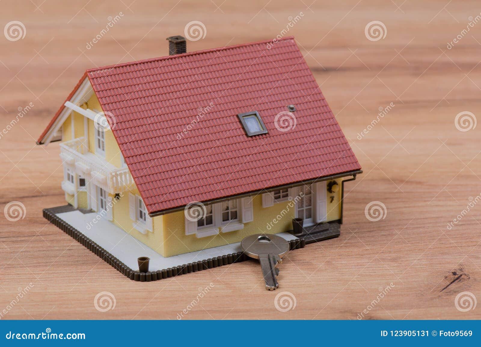 Modellhus med dörrtangent