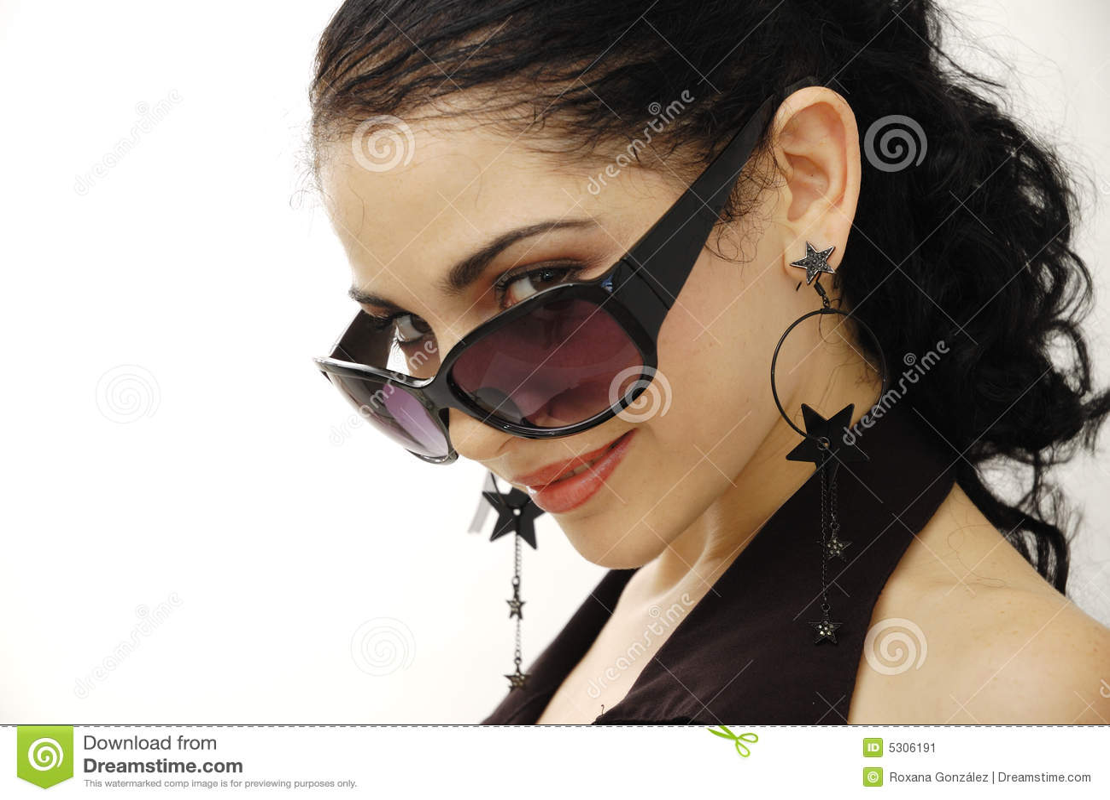 Download Modello Con Gli Occhiali Da Sole Immagine Stock - Immagine di femminile, bellezza: 5306191
