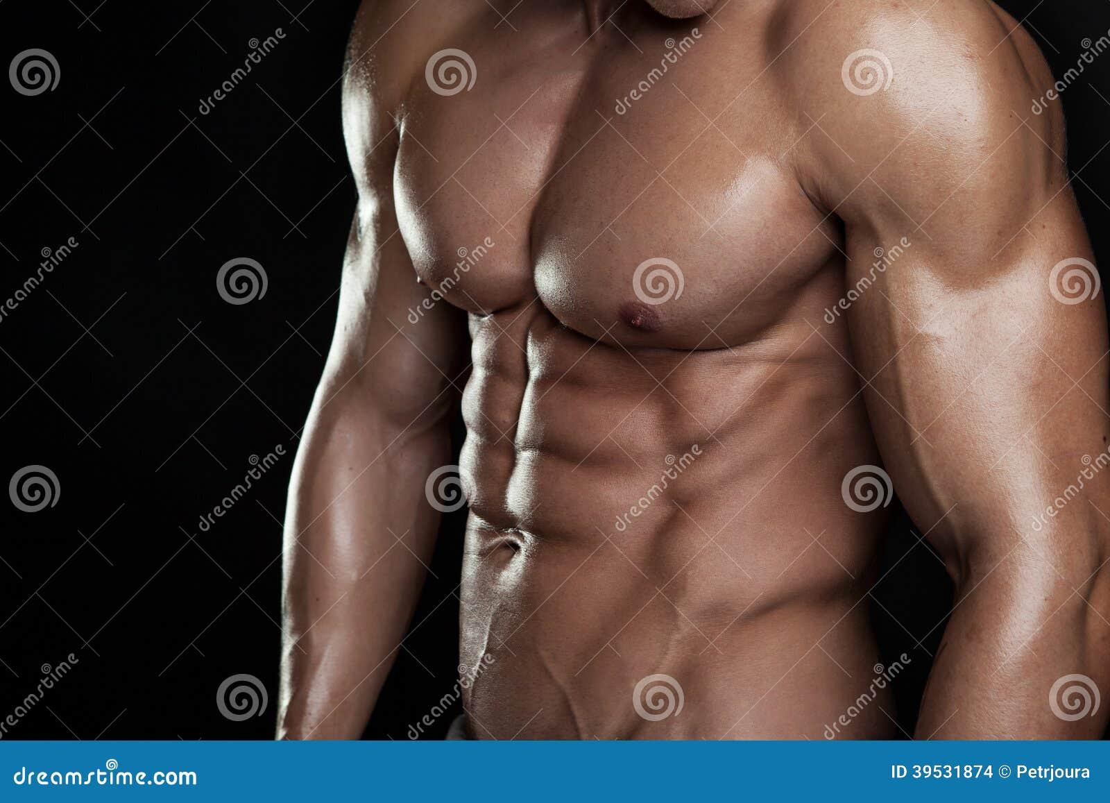 Modelo atlético forte Torso da aptidão do homem que mostra seis Abs do bloco.