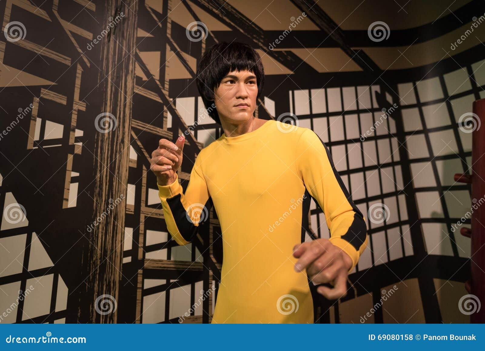 Modelo de cera de Bruce Lee na exposição