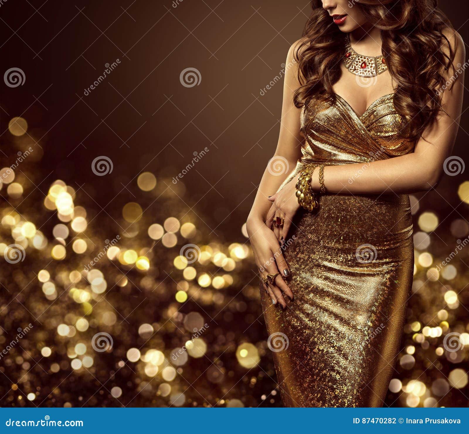 Modelo de forma Body no vestido do ouro, vestido dourado elegante da mulher