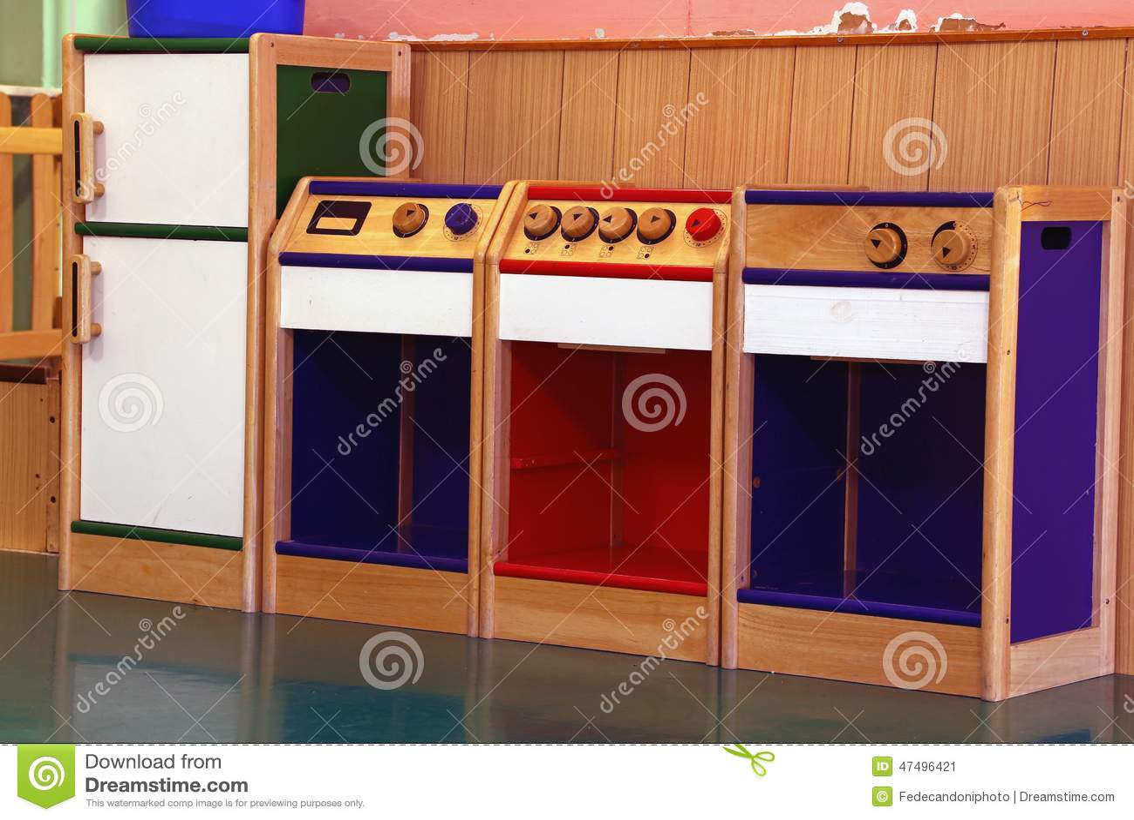 Modelo de la cocina de madera a jugar en guardería
