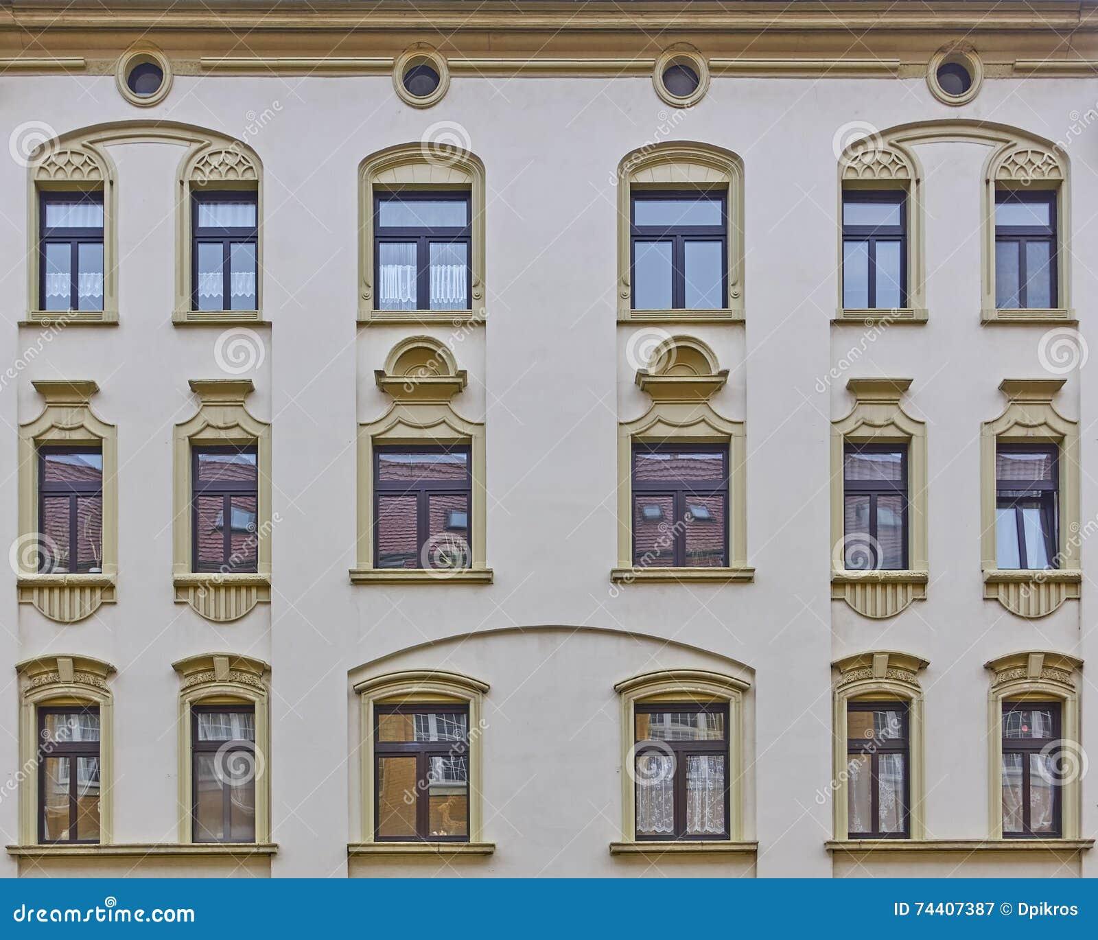 Modelo de las ventanas de la fachada de la casa del - La casa vintage ...