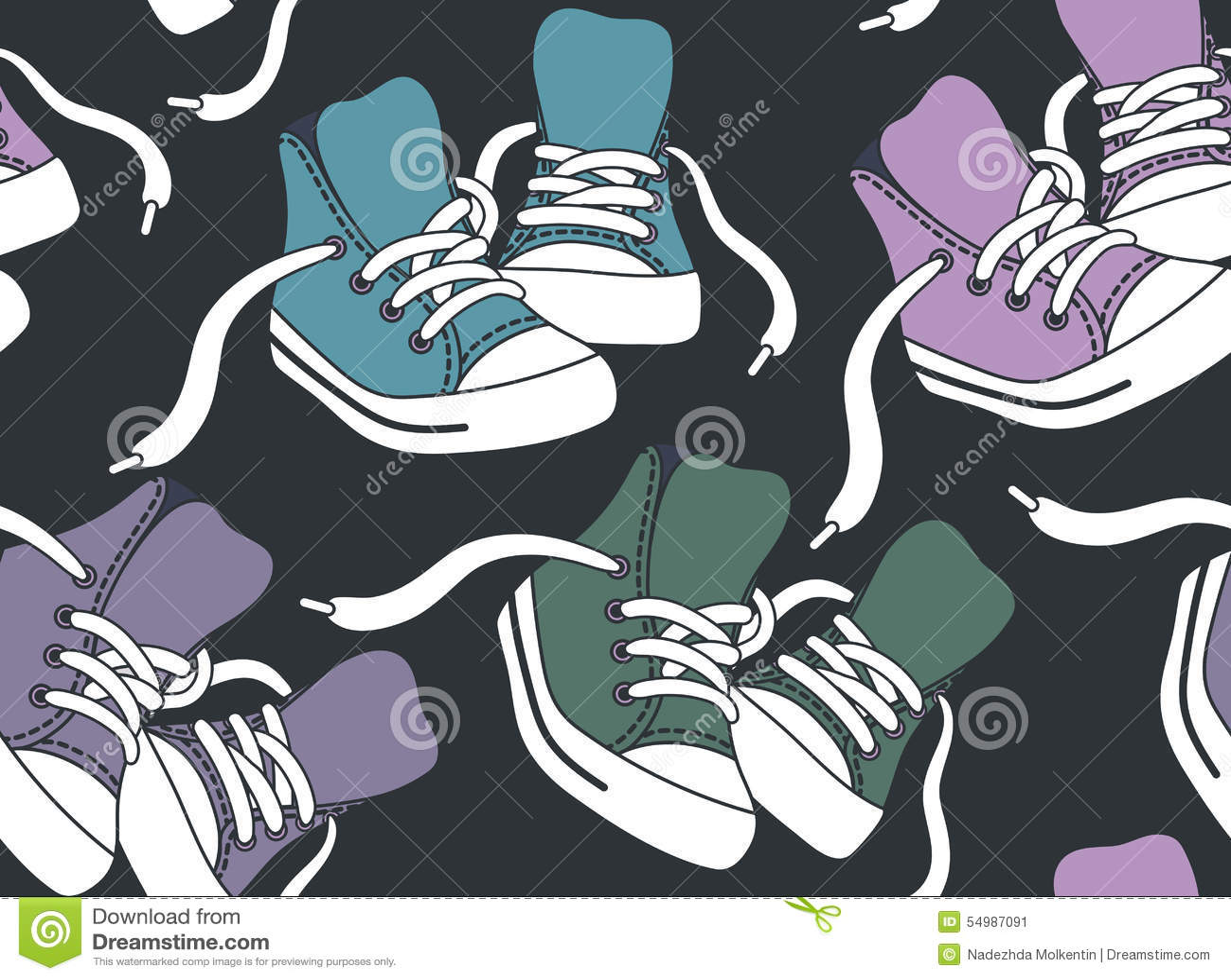 Modelo inconsútil con las zapatillas de deporte