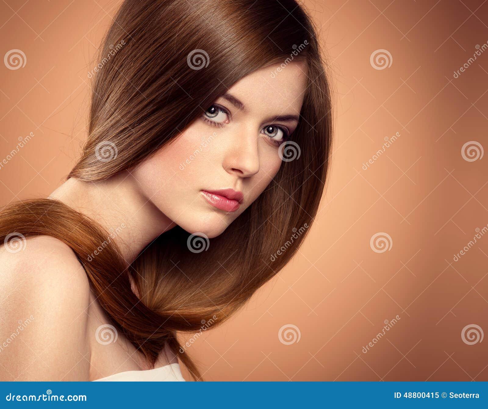 Modelo longo do cabelo