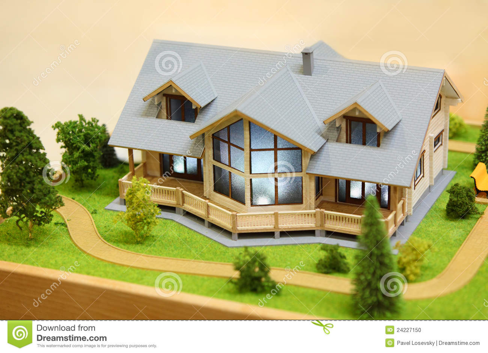 Modelo pequeno da casa de campo foto de stock imagem de for Modelos de casas procrear clasica
