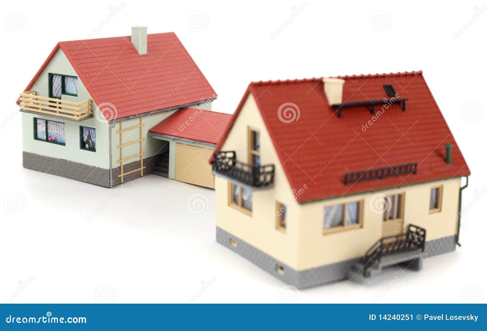 Modelos de dos casas con el garage para el coche en blanco for Casa para dos con piscina privada