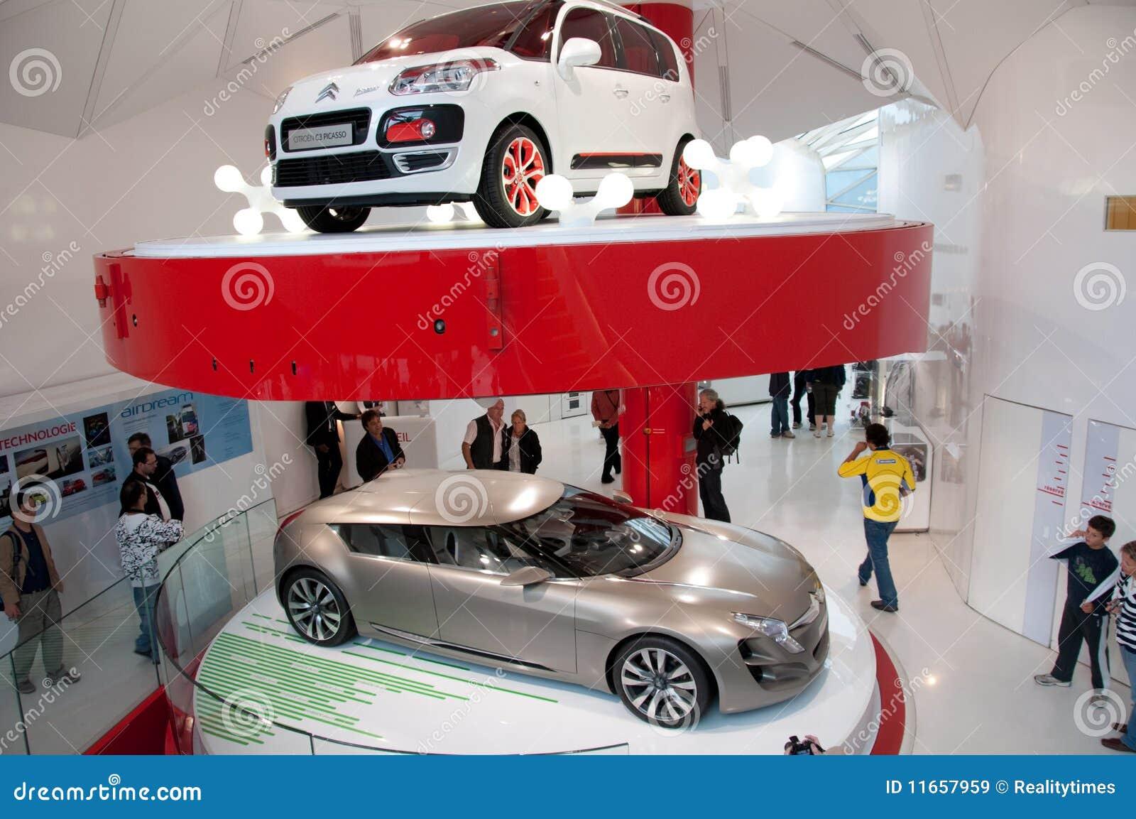 modelos novos do carro citroen paris imagem de stock editorial imagem 11657959. Black Bedroom Furniture Sets. Home Design Ideas