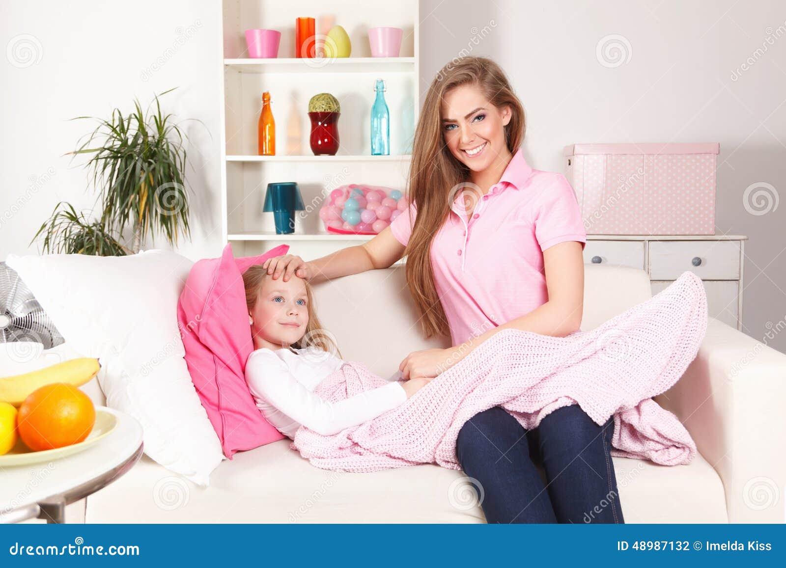 Moder med det sjuka barnet