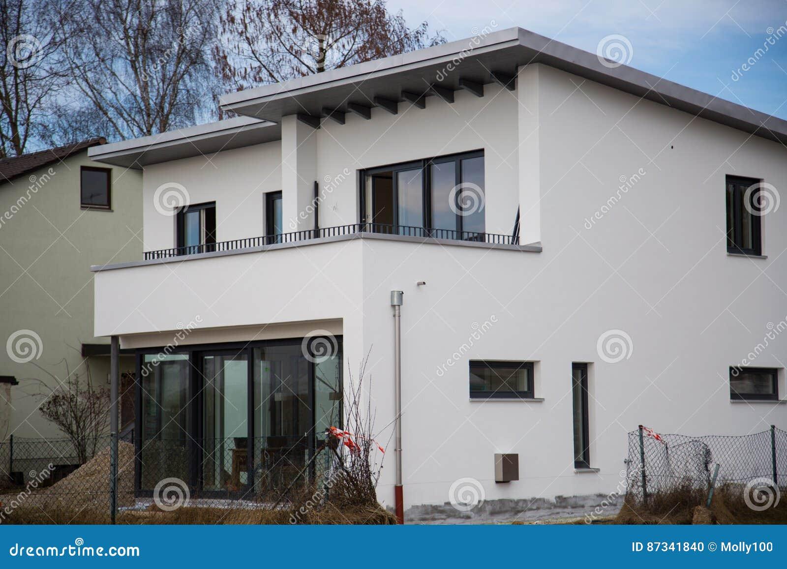 Modern ééngezinshuis, vlak dak