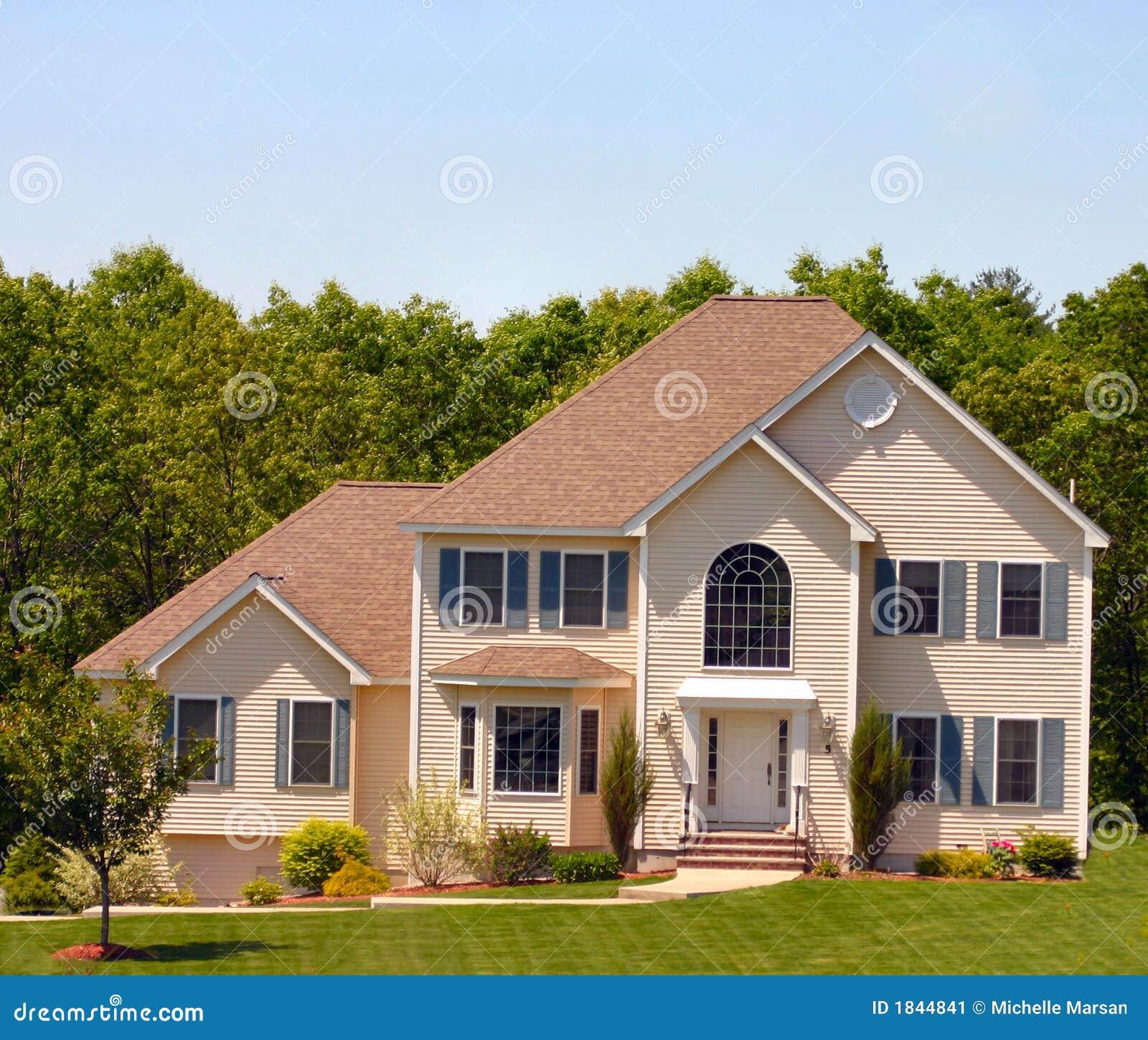 Modern amerikaans huis stock afbeelding afbeelding 1844841 for Plan de maison style americain