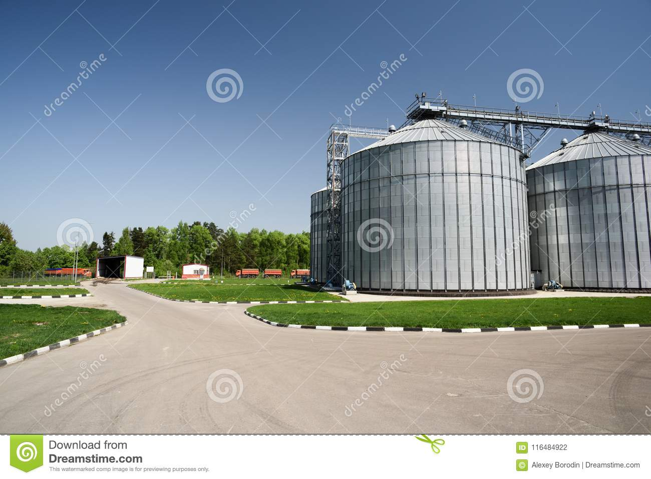 Modern Animal Feed Factory Granary. Big Metal Storage Containers For Grain