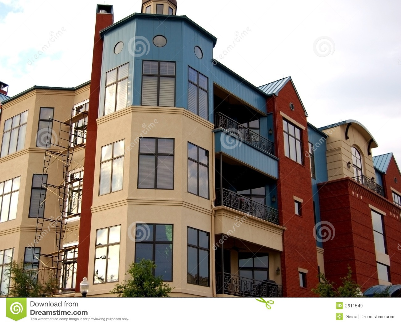 Apartment Complex modern apartment complex royalty free stock images - image: 2611549