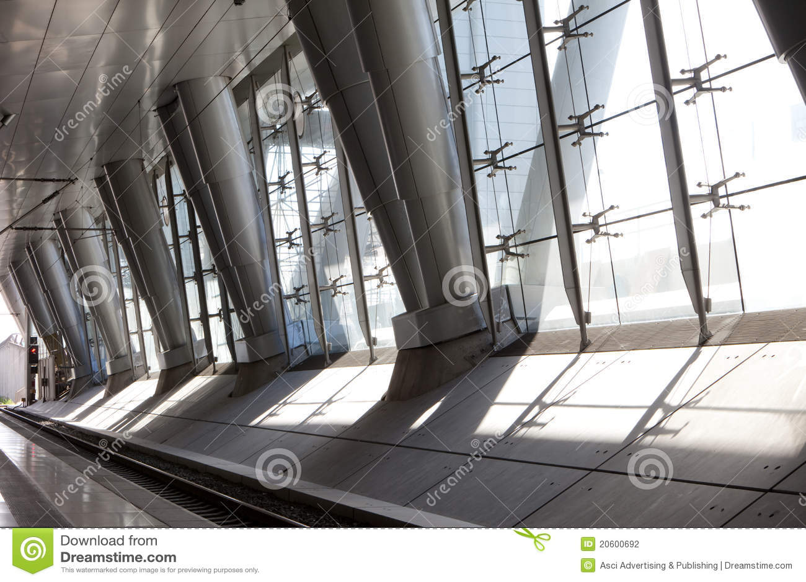 Modern Columns modern columns royalty free stock photo - image: 5109505