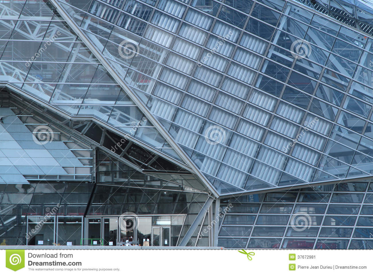Modern architecture of musee des confluences editorial for Architecte musee confluence