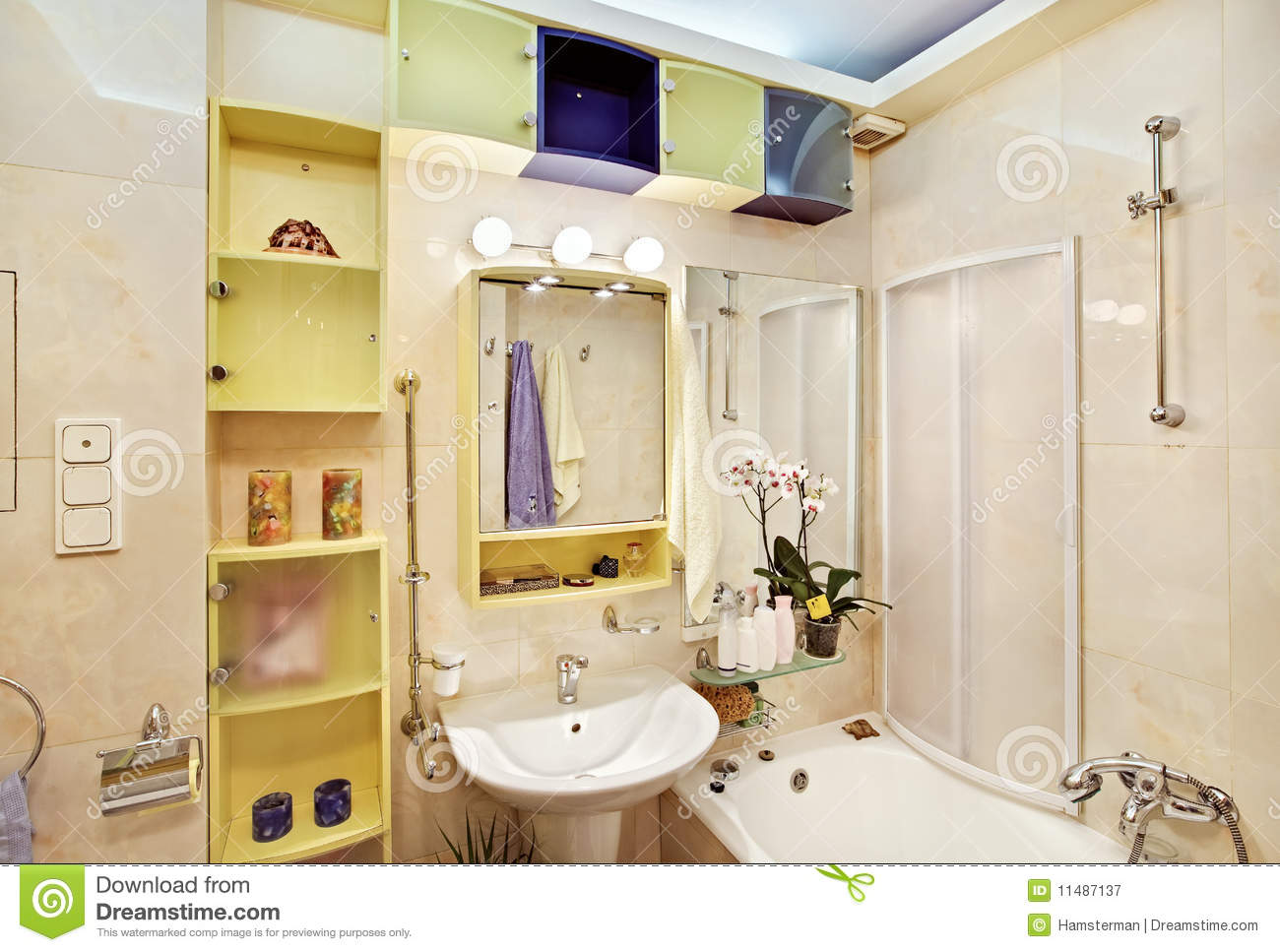 Modern Bathroom In Yellow And Blue Royalty Free Stock