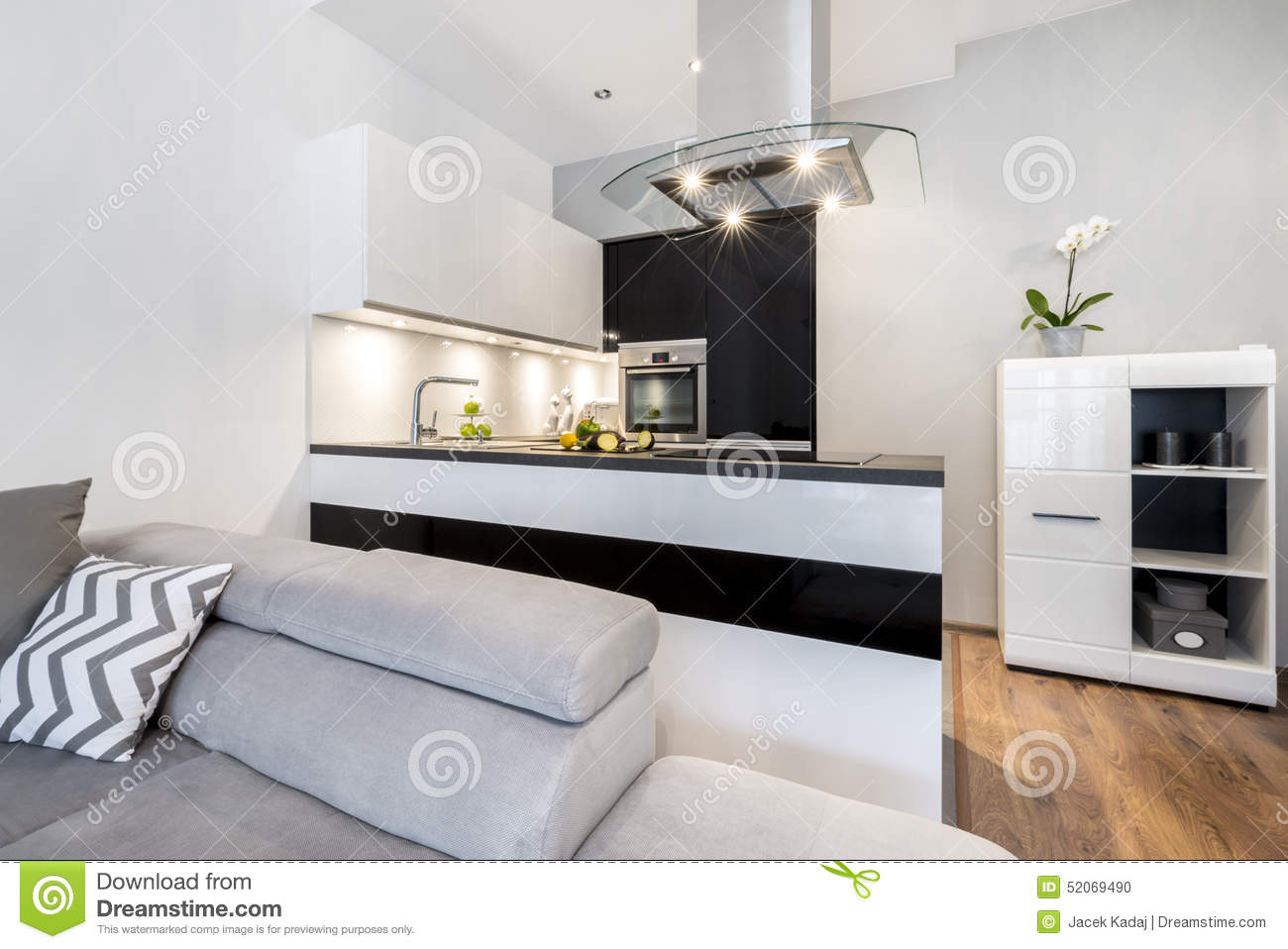 Modern black and white small kitchen stock photo image for Petite cuisine moderne