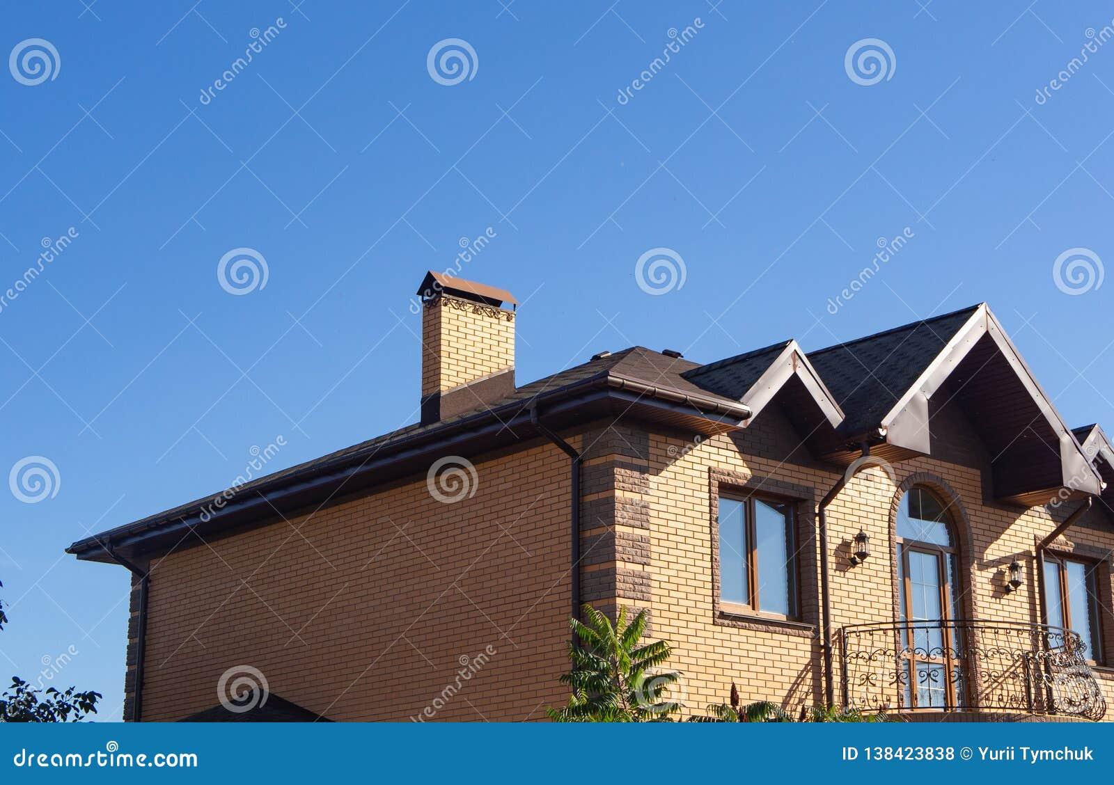 Modern House Gutters 2