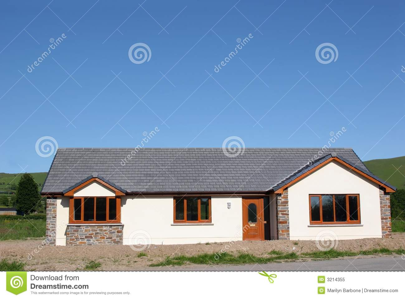 Modern Bungalow Royalty Free Stock Photo - Image: 3214355