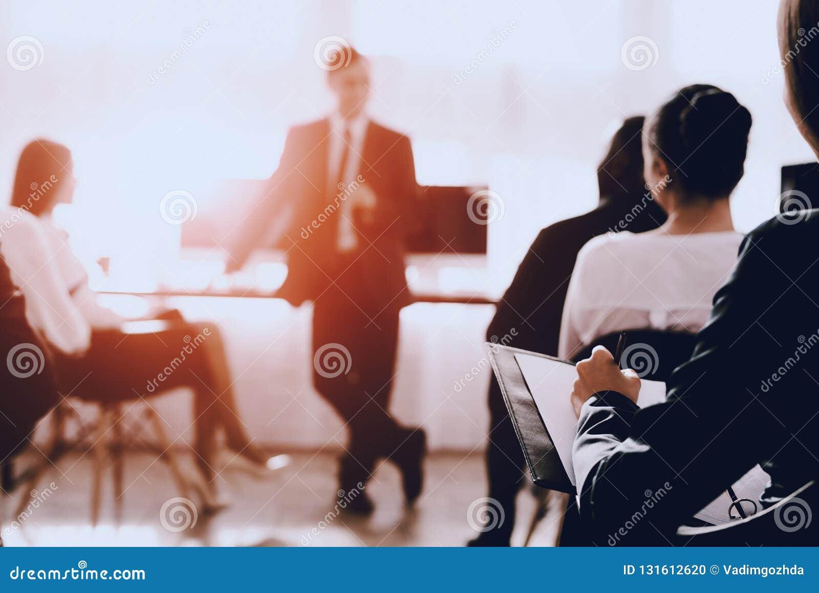 Modern bureauconcept Samenwerking met collega s