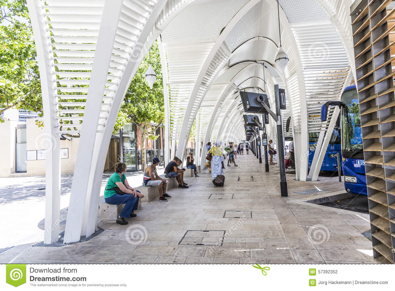 Modern busstation Gare Routiere in Aix en Provence