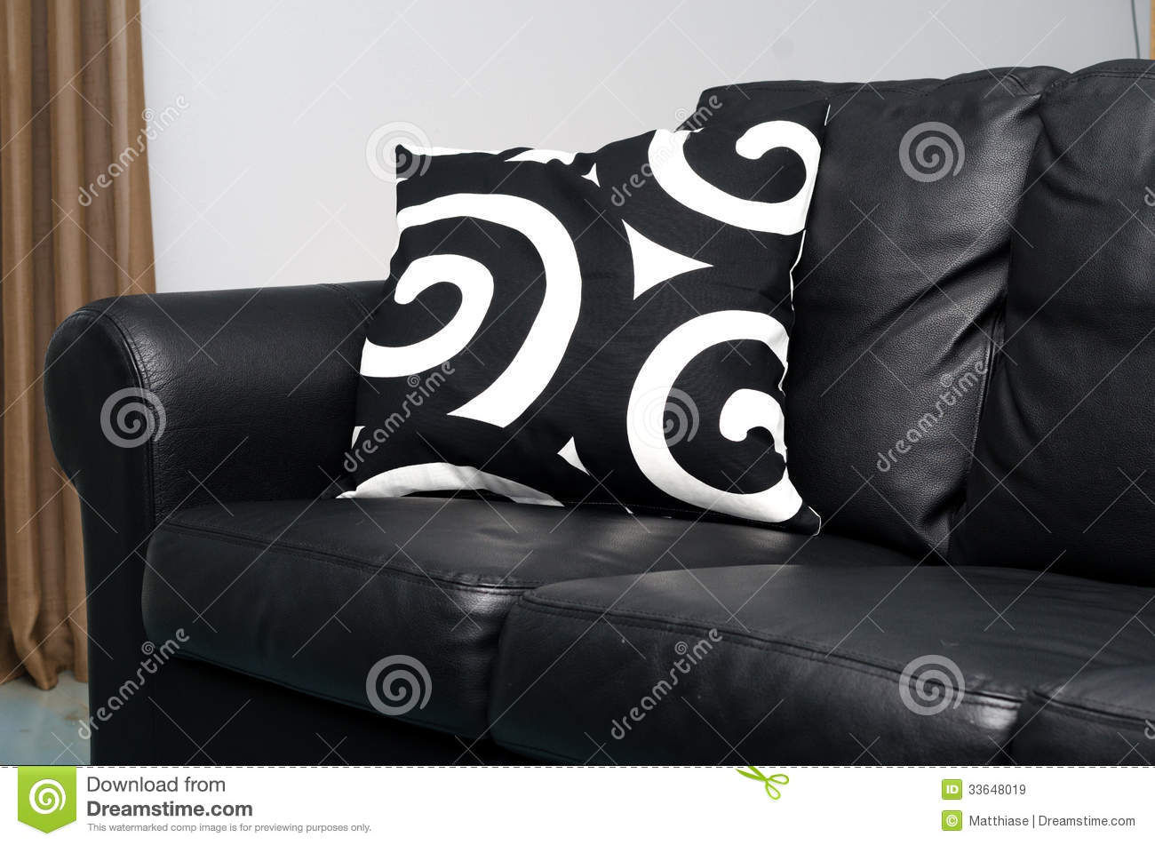Modern Family Pillows On Couch : Black couch stock image. Image of background, furniture - 33648019