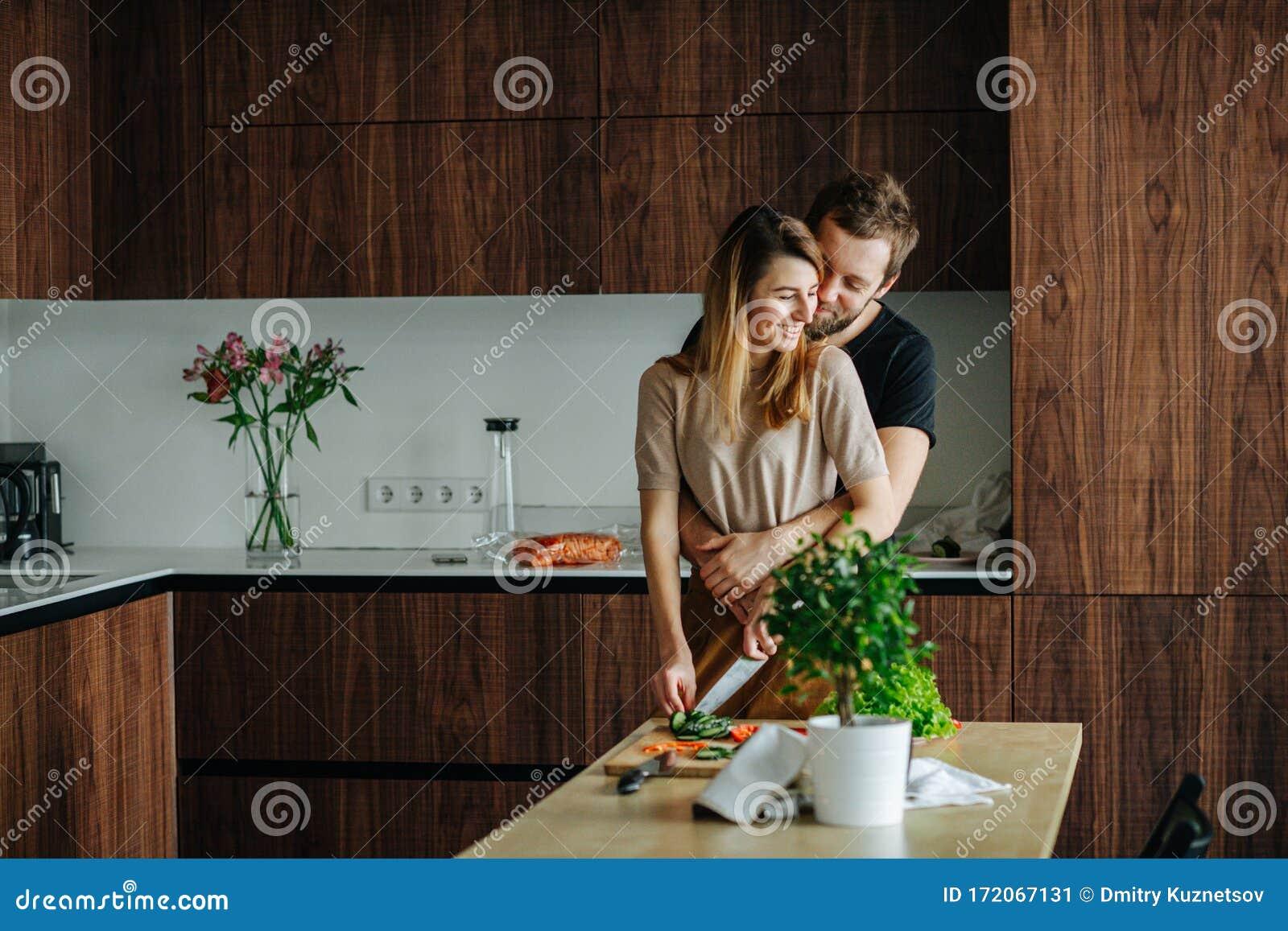 Frau sucht mann mit haus
