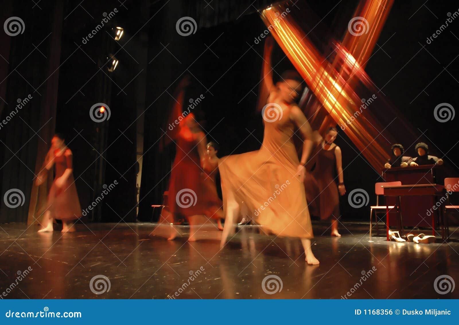 aalborg teatre smide tøjet Danmark