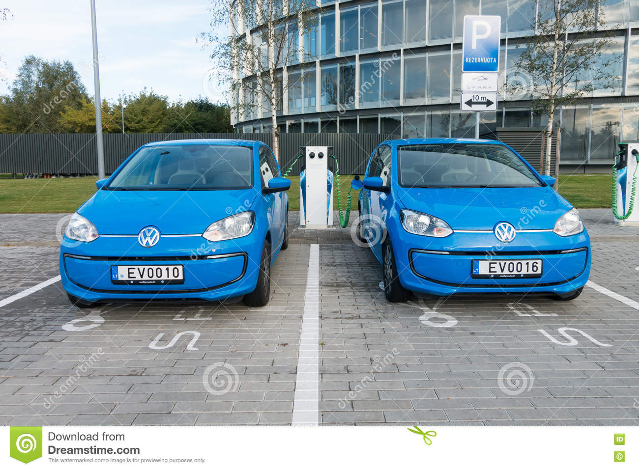 f9f0c8804fae Modern Electric Car Charging Editorial Image - Image of energy ...