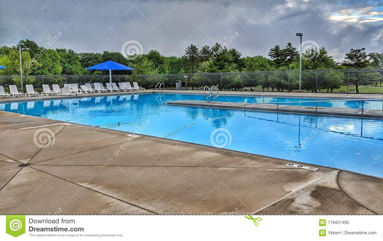 Modern Empty swimming pool in summer