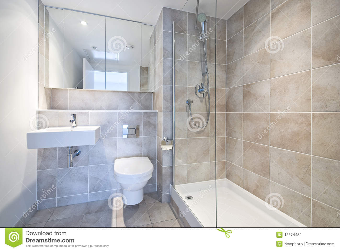 Modern en suite bathroom with large shower stock image for Salle de bain moderne avec douche
