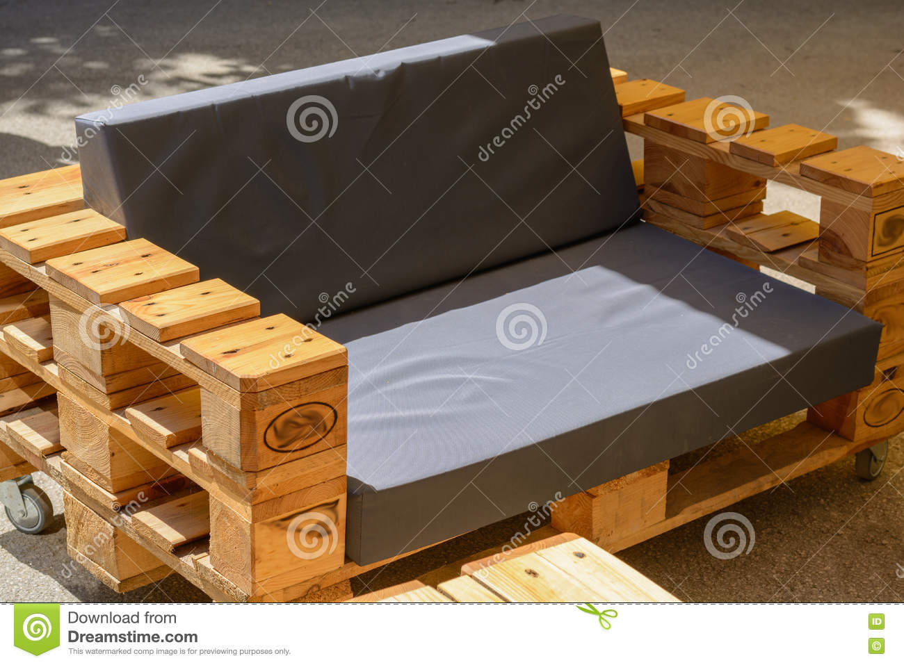 1 687 Pallet Furniture Photos Free Royalty Free Stock Photos From Dreamstime