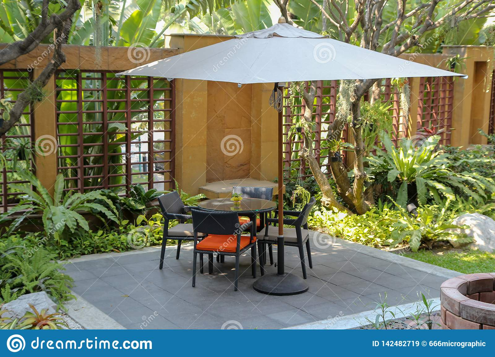 Rattan Garden Table And Chairs Dining Garden Chair Outdoor In Garden Furniture In Modern Patio Stock Image Image Of Grass Exterior 142482719